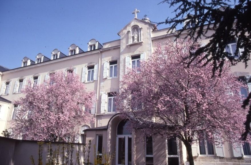 Maison de retraite orleans elegant maison bassin d - Ma maison de la literie ...