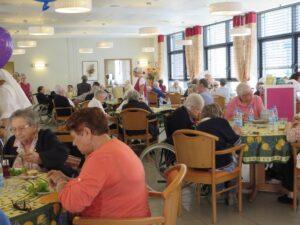 Salle à manger des résidents