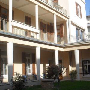 Extérieur du bâtiment des Petites Sœurs des Pauvres de Lyon Croix-Rousse