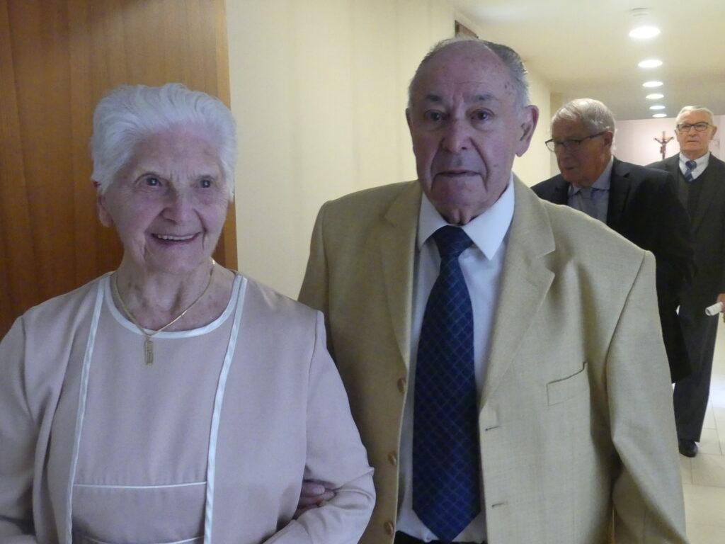Les 70 ans de mariage de Mr et Mme LEGRAND, Résidents de Ma Maison et les 60 ans de mariage de Mr et Mme LELOUTRE et de Mr et Mme YVON, Bénévoles de Ma Maison.